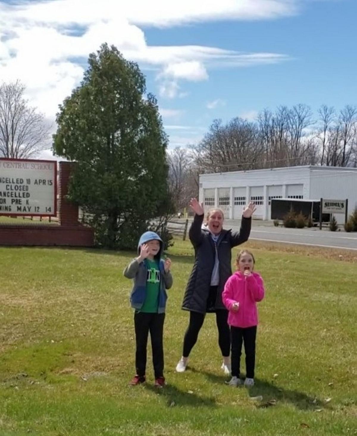 Germantown teachers bring 'Caravan of Cheer' to homebound students