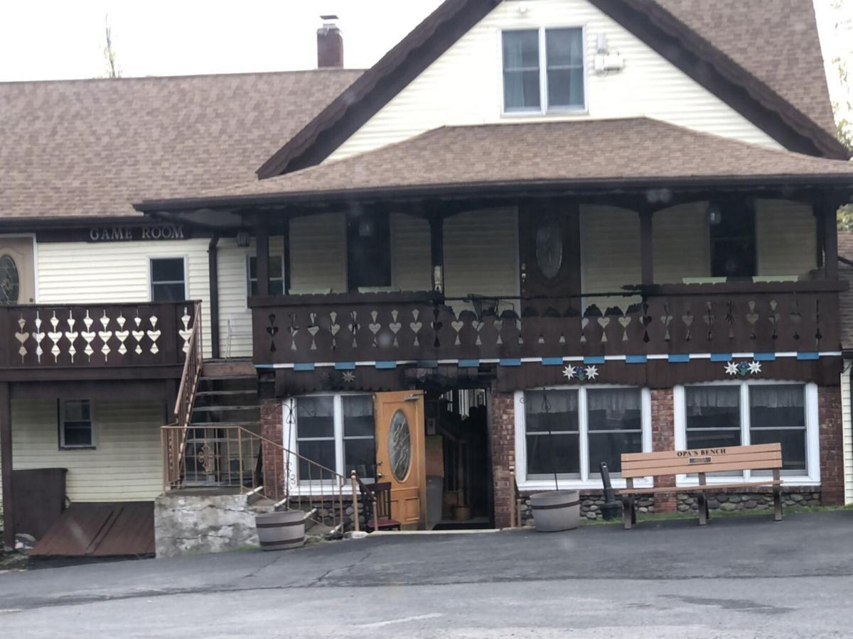Alert guest saves Round Top resort from fire