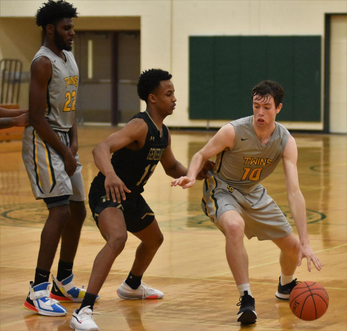 C-GCC throws scare into defending national champs