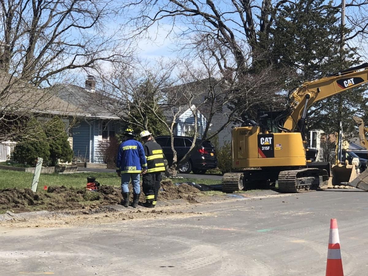 Ruptured gas line in Greenport closes Fairview
