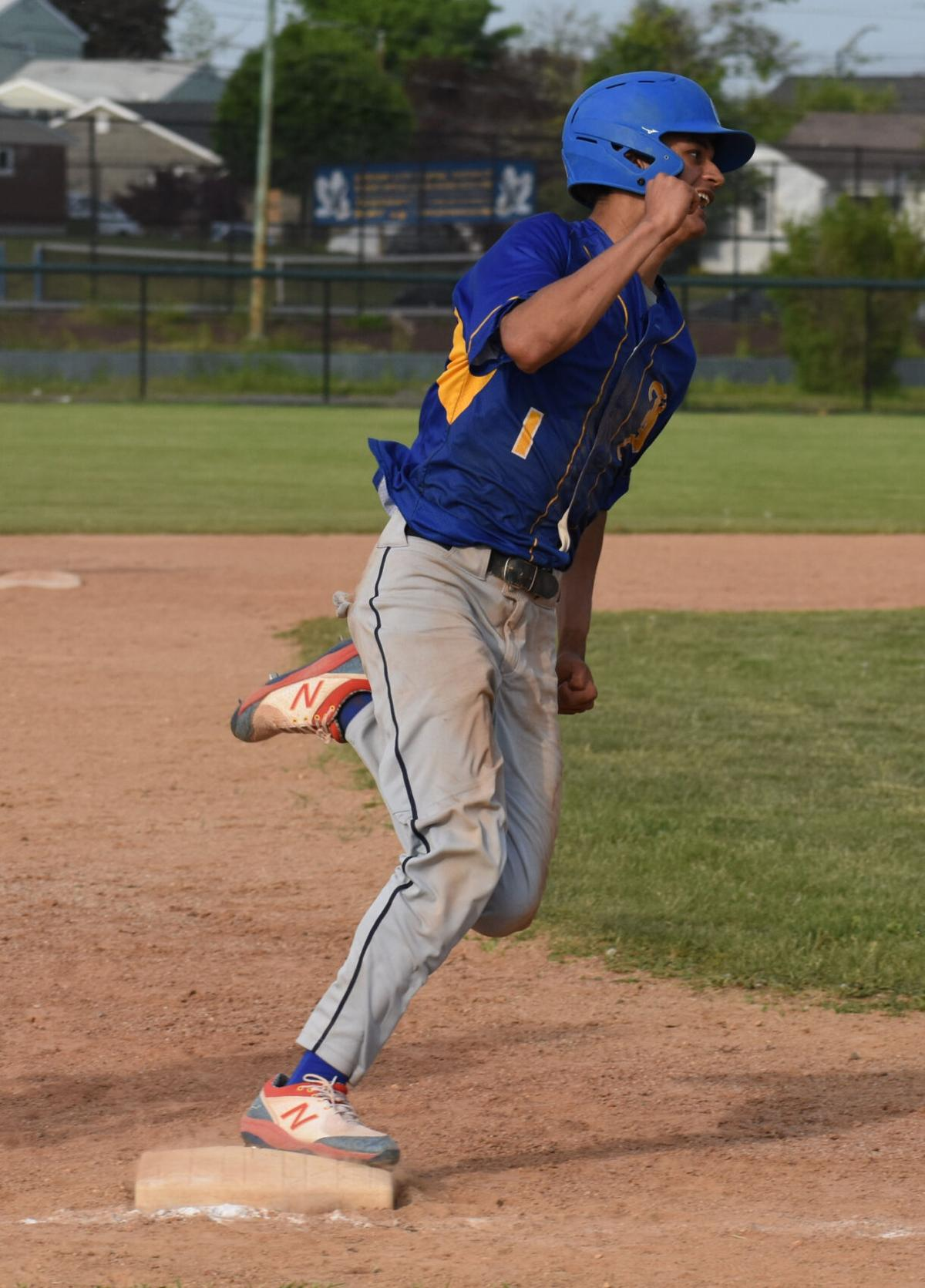 H.S. BASEBALL: Hudson's Moore shuts down Titans; ICC wins in 14