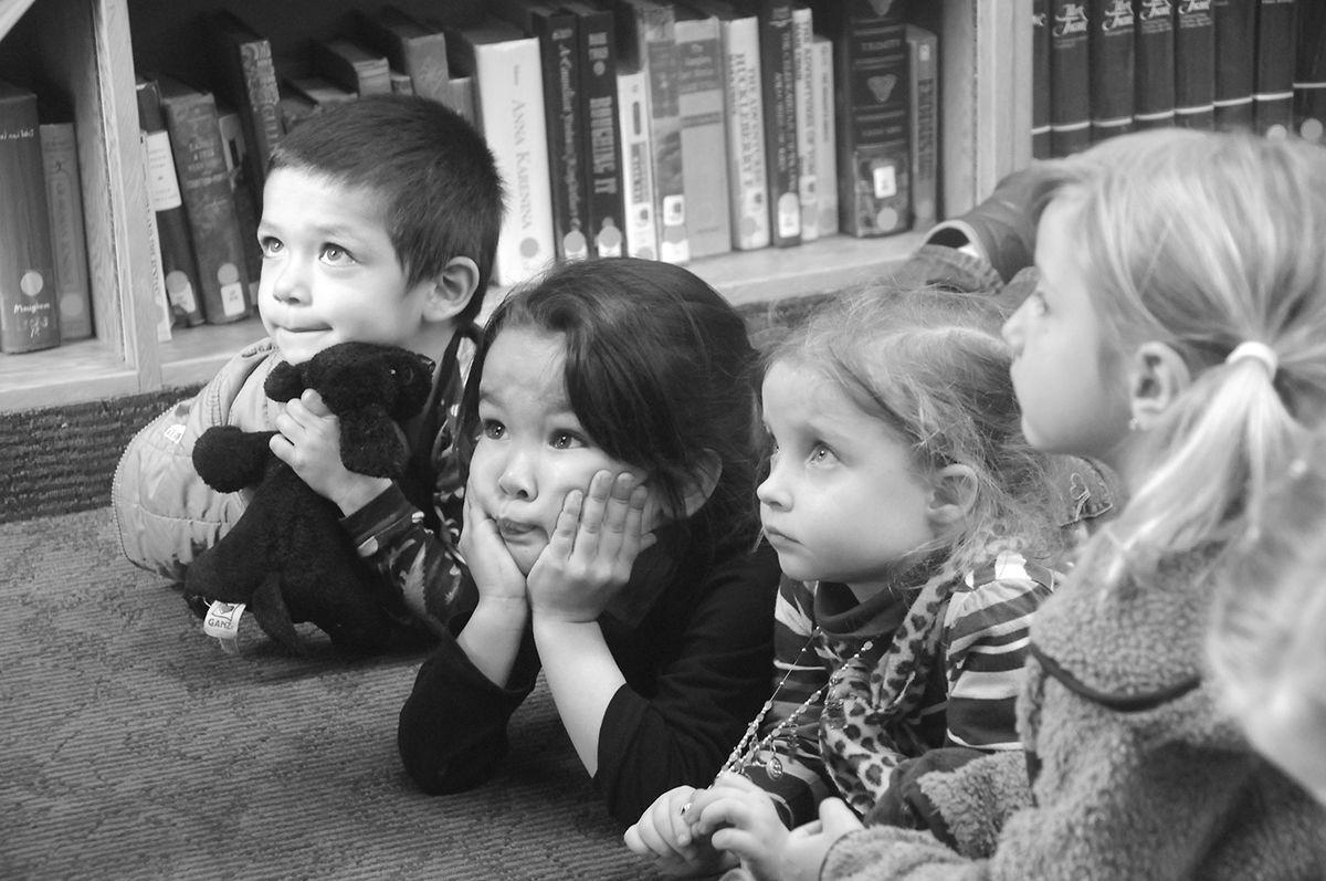 Story hour kids 2014