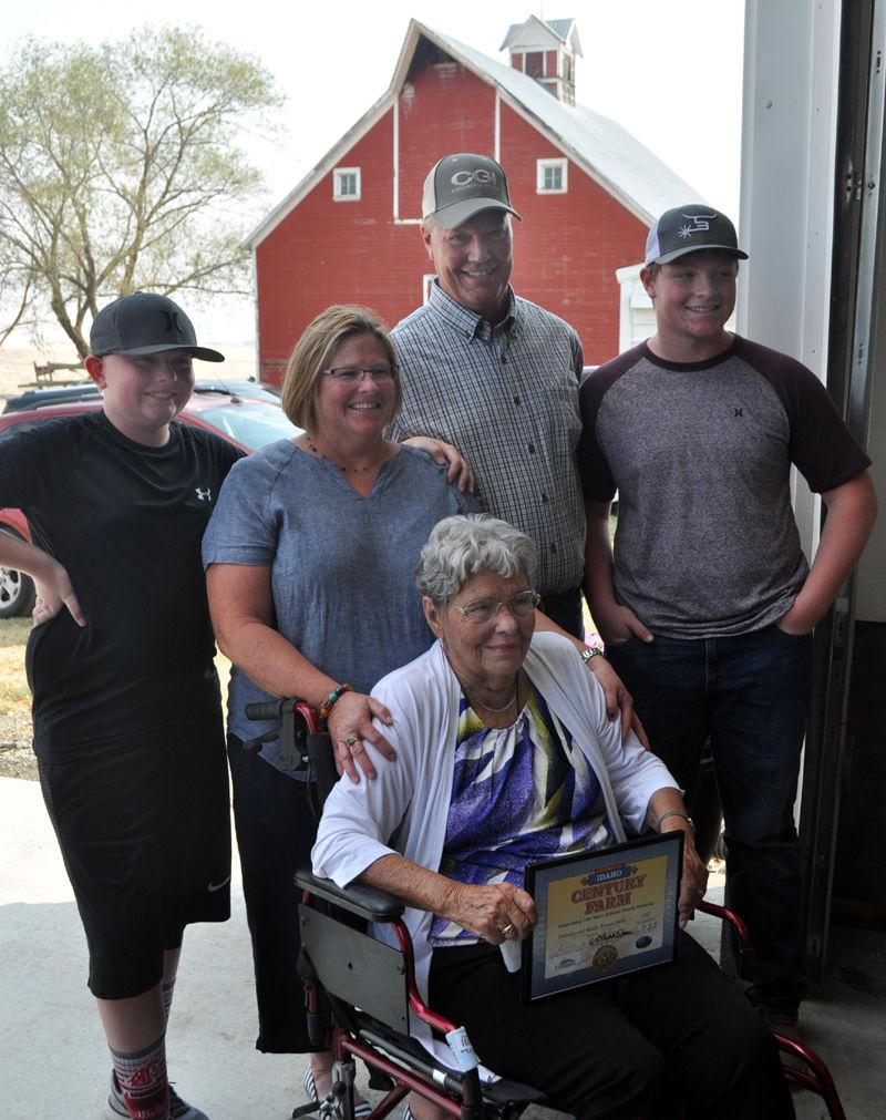 Century Farm recognizes Arnzen place