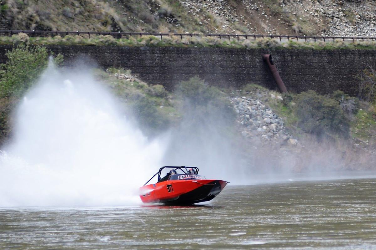 Ross Schlotthauer wins Salmon River Jet Boat Race