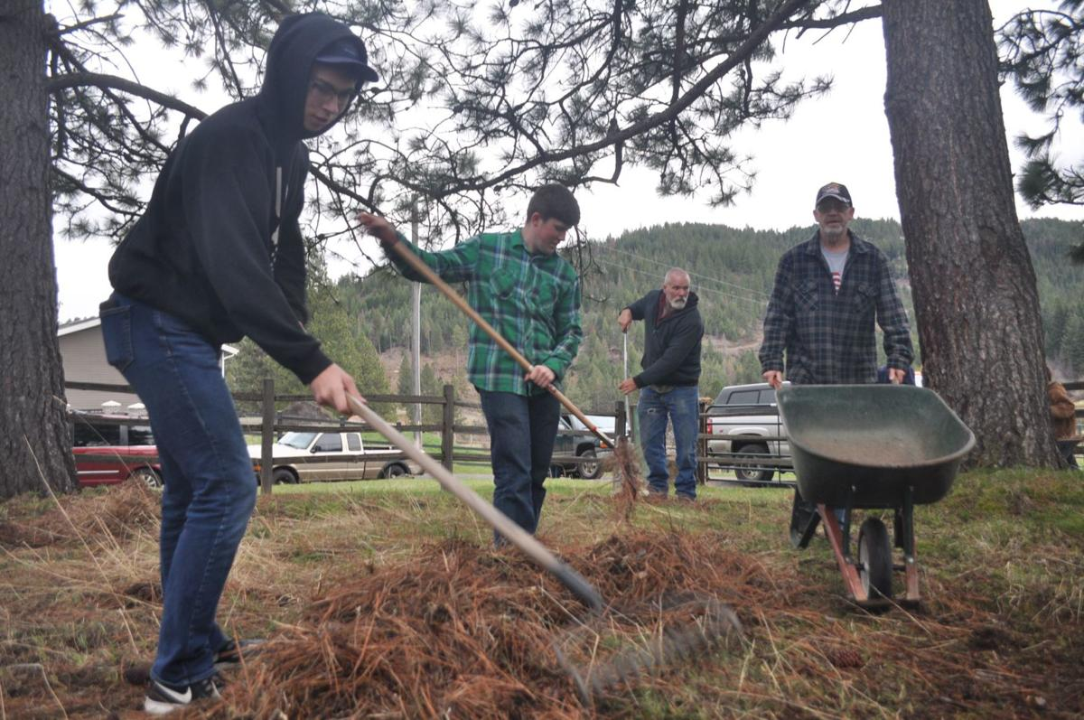 Scouts clean up Mt. Idaho Fort site
