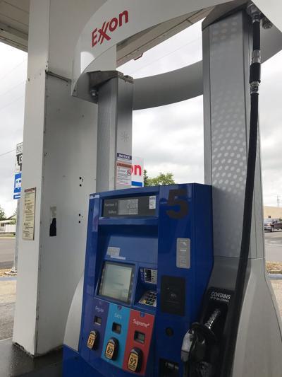 Exxon station pic