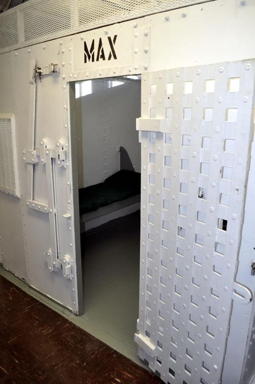 Jail turning away convicts for lack of space