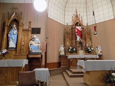 Keuterville Parish Altar