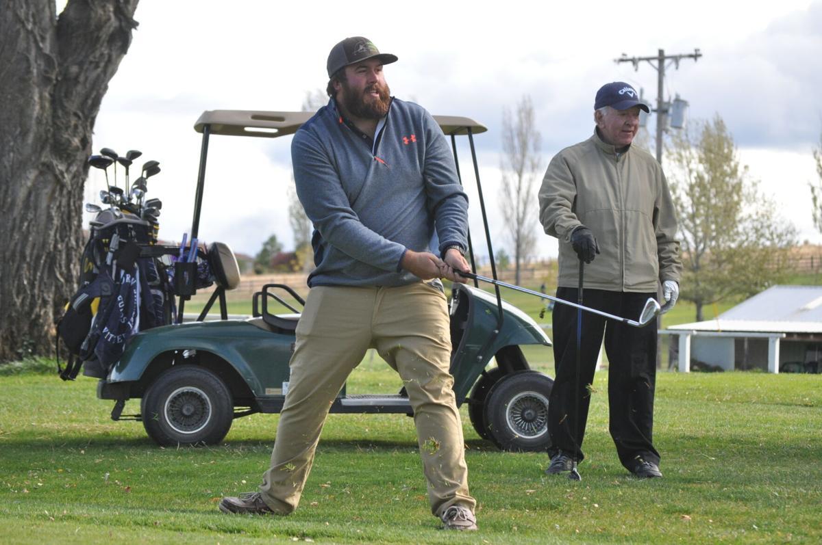 Golfing game photo 1