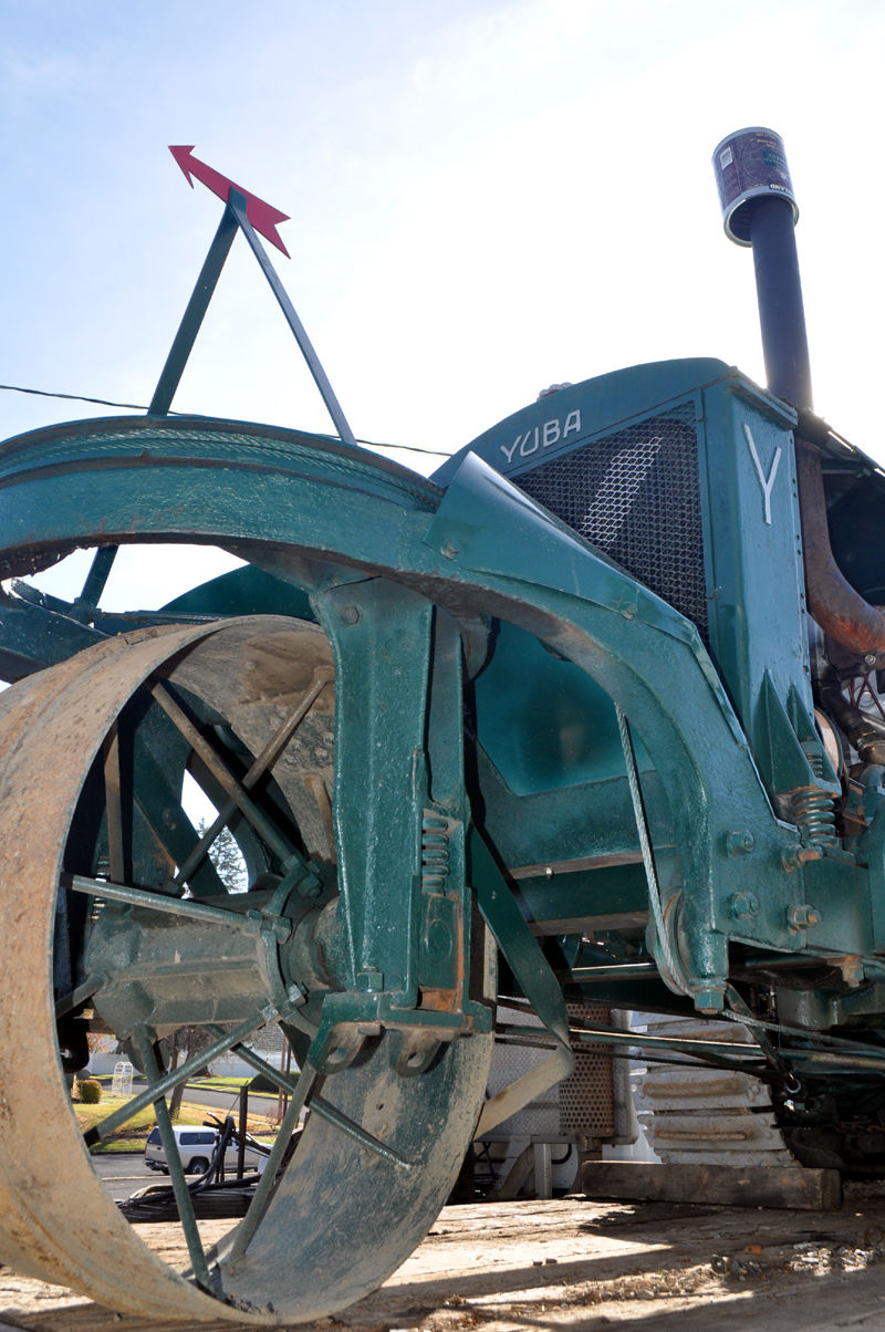 Billups sends off Yuba tractor headed to auction this month