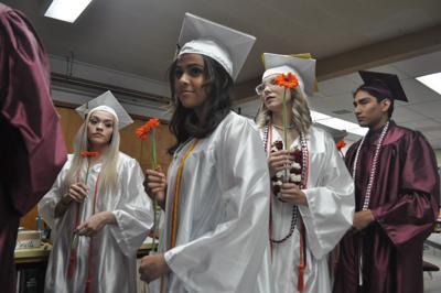 Kamiah High School students prepare for graduation photo
