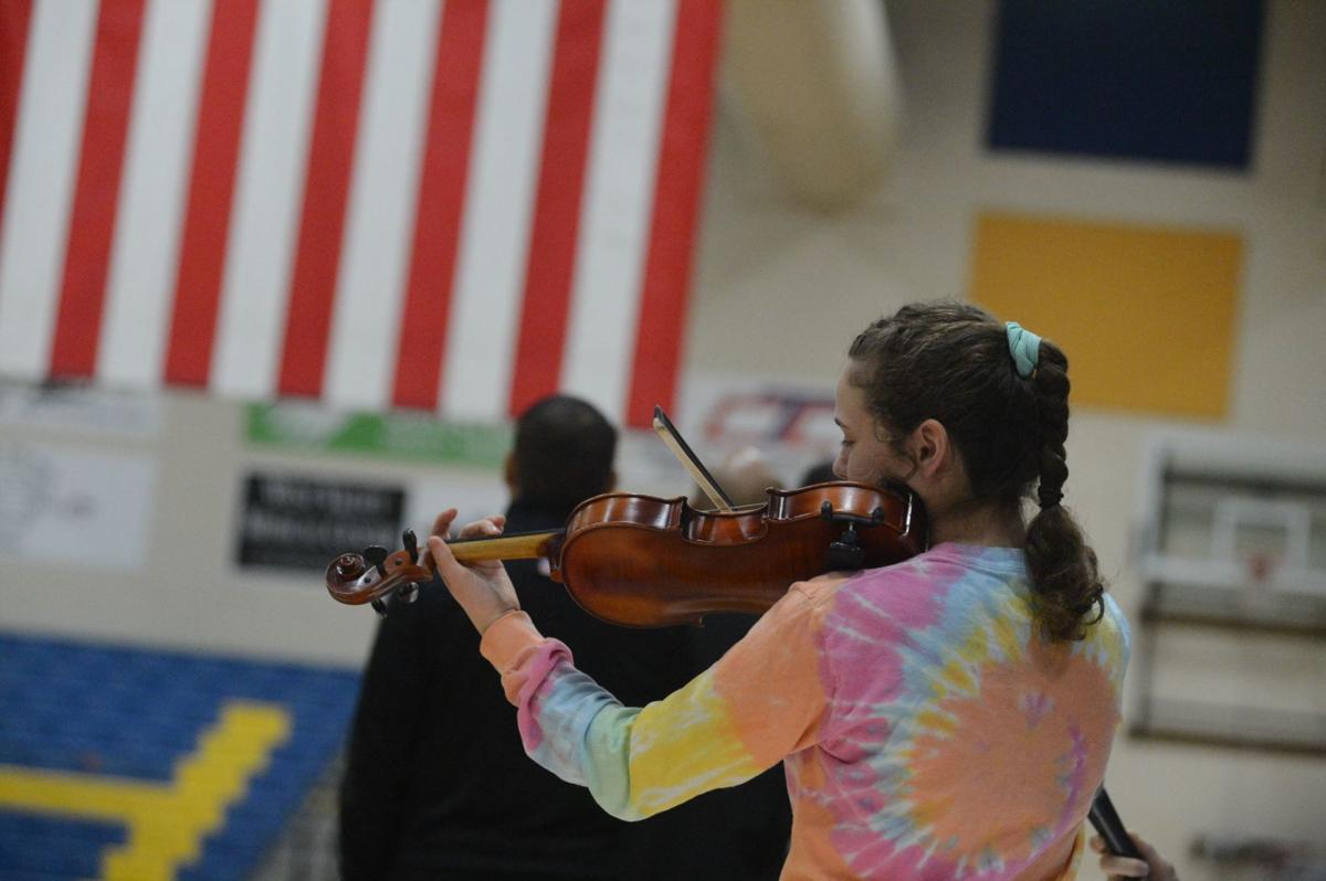 National anthem by violin
