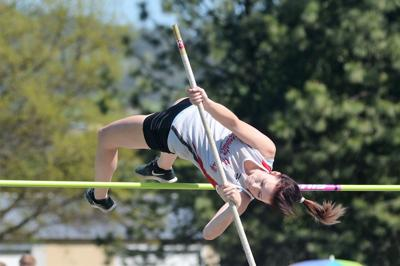 Dutcher, Smith on to state in pole vault