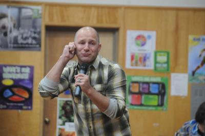 Speaker gives self-help advice to students