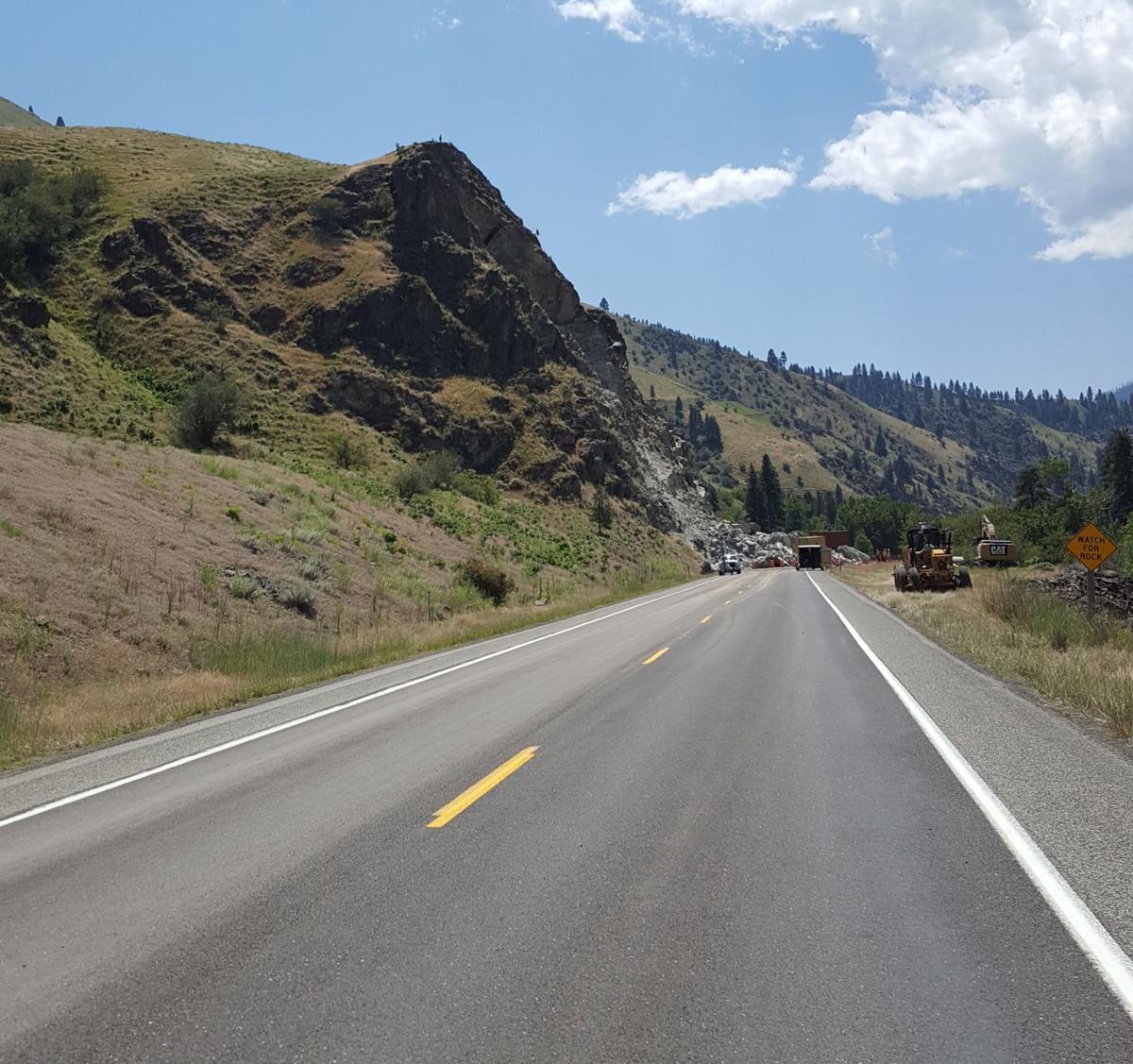 Rock slide on US 95 pic
