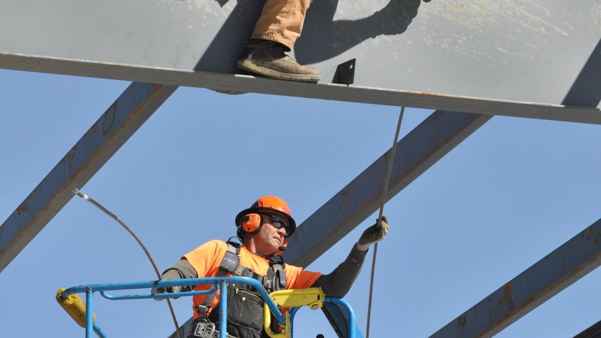 Flying Iron, Turning Wrenches