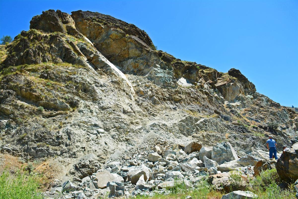 U.S. Highway 95 blocked by rock slide