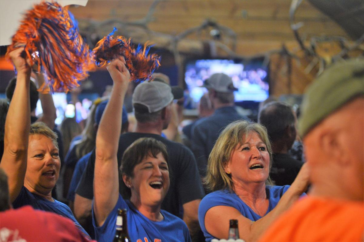 Riggins, Vander Esch shine bright in light of Dallas Cowboys draft pick