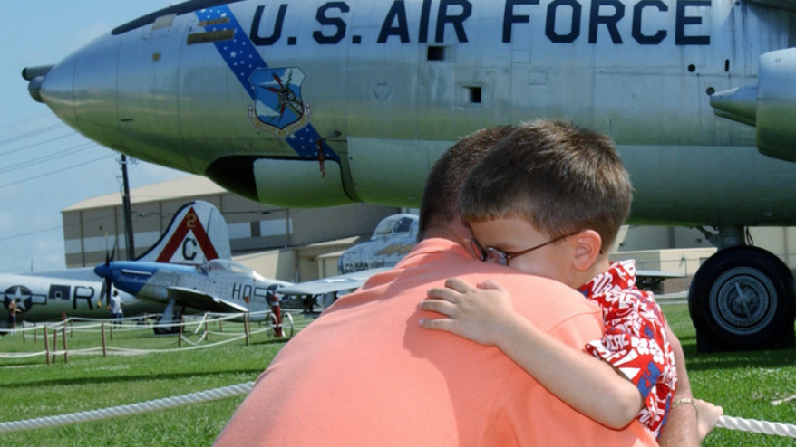 Moses Lake Airshow 'doing it right' for dads this Father's Day with 25% ticket discount flash sale June 12 only