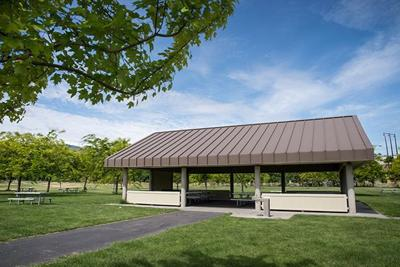 Wenatchee Confluence State Park picnic shelter
