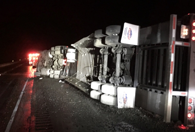 Truck driver injured in rollover crash on I-90 near Cle Elum