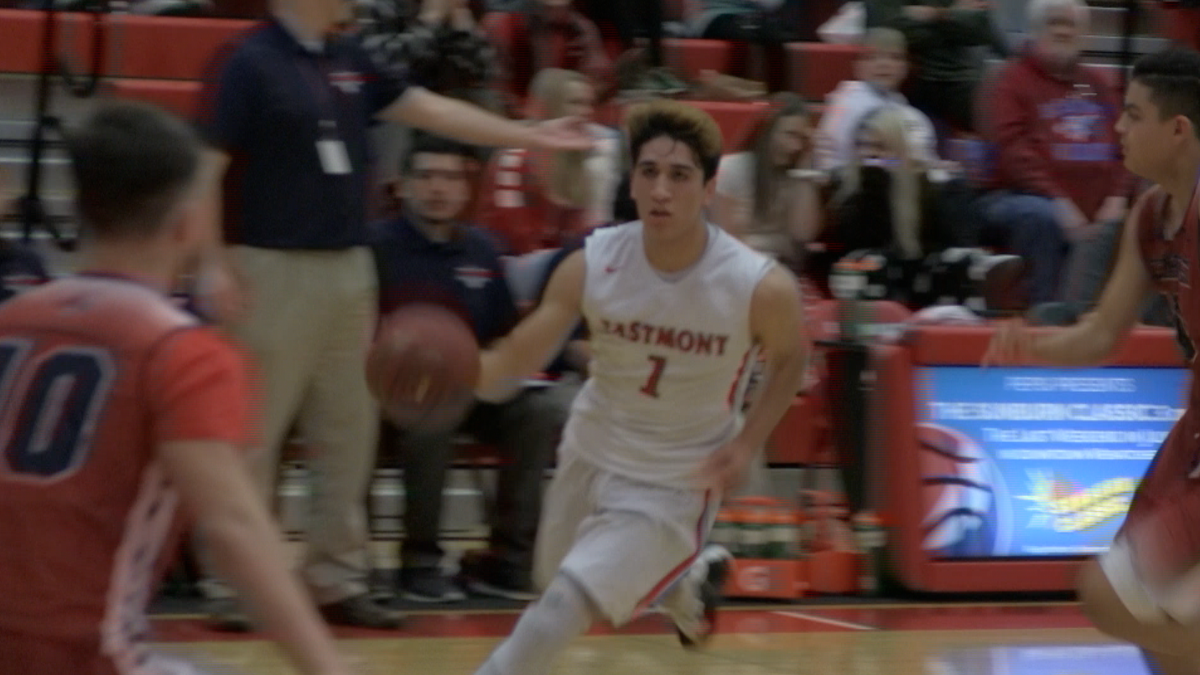 Eastmont boys clobber Ike, even Big 9 record at 4-and-4