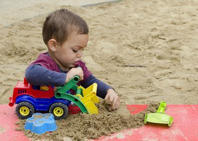 Toy car child sand box - pavsie-RF.jpg