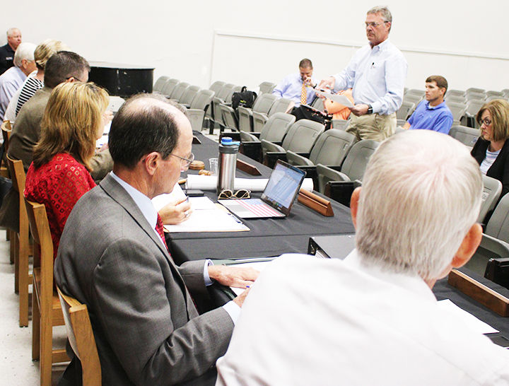 Lamar County School Board stays with insurance plan