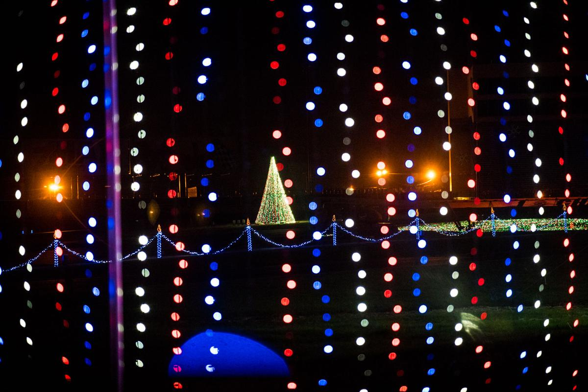 Speedway Christmas Lights.Charlotte Motor Speedway Christmas Lights Display Kicks Off