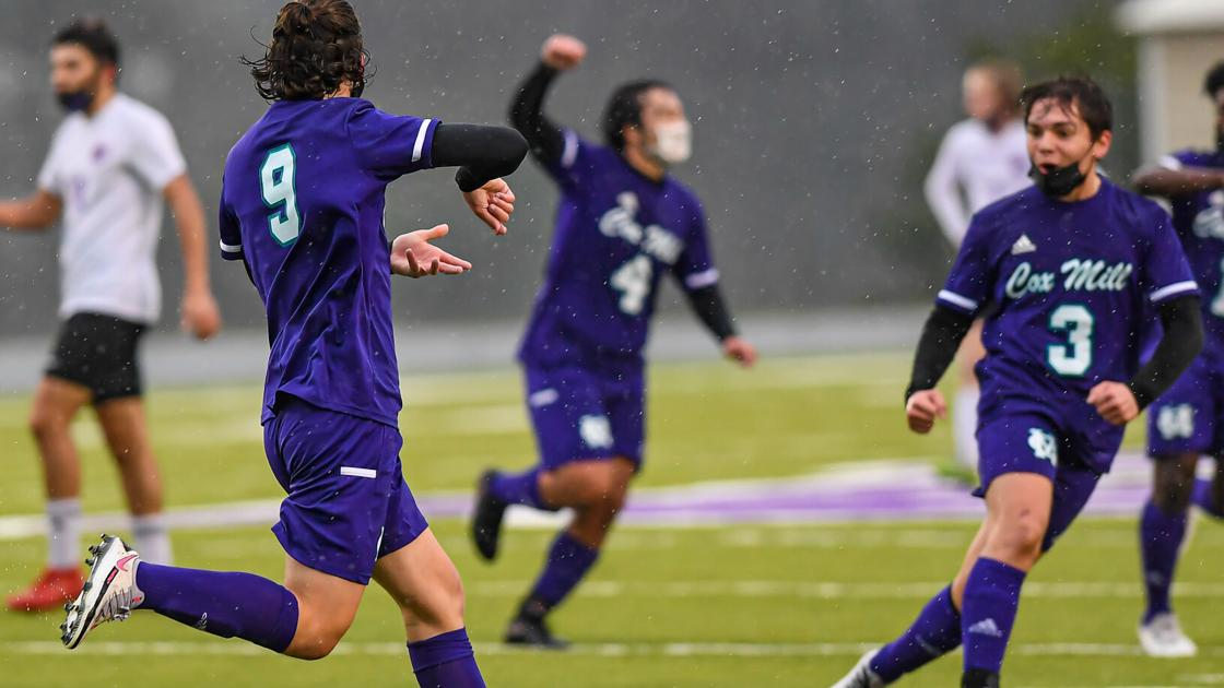 BOYS SOCCER: Resilient Chargers get past North Henderson to reach 3A second round