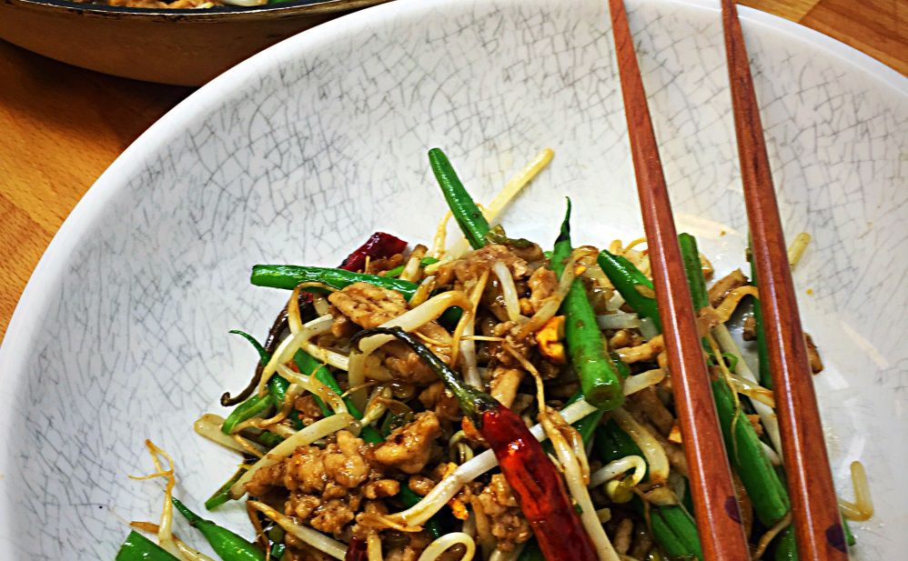 Recipe spicy chicken green bean stir fry columnists spicy chicken and green bean stir fry forumfinder Image collections