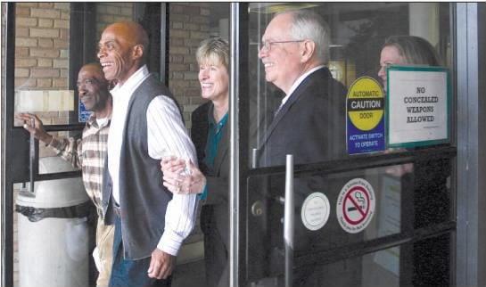 Elmore leaving court.jpg