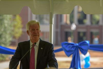 Presbyterian College cuts ribbon on new student housing