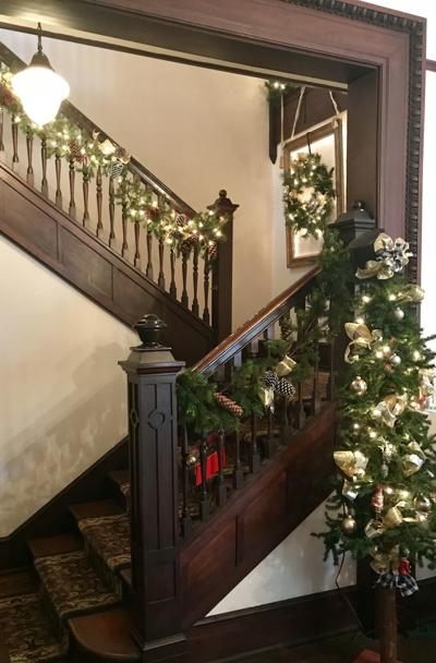 McCormick Garden Club hosts Christmas tour