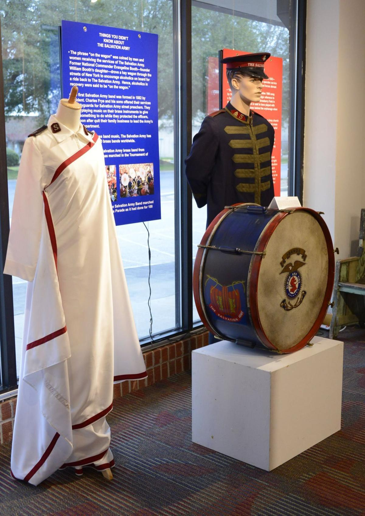 Salvation Army officers have ranks of military officers and uniforms.