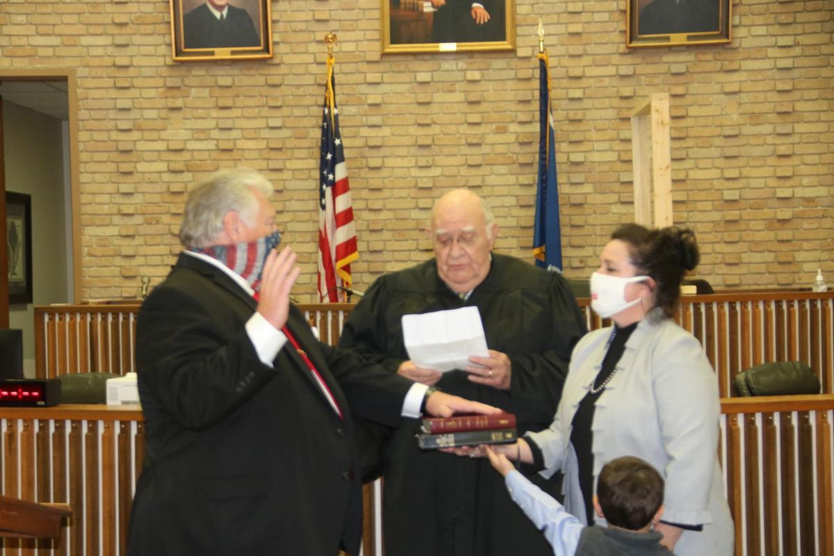Billy Garrett taking the oath of office 2