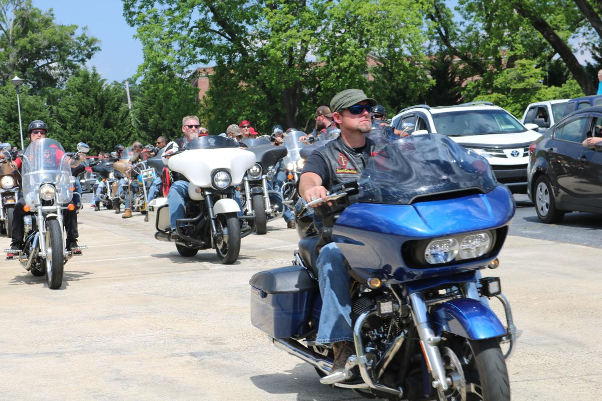 One last ride: Hundreds of bikers pay respects to Lakelands