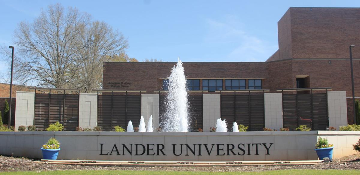 Lander fountain