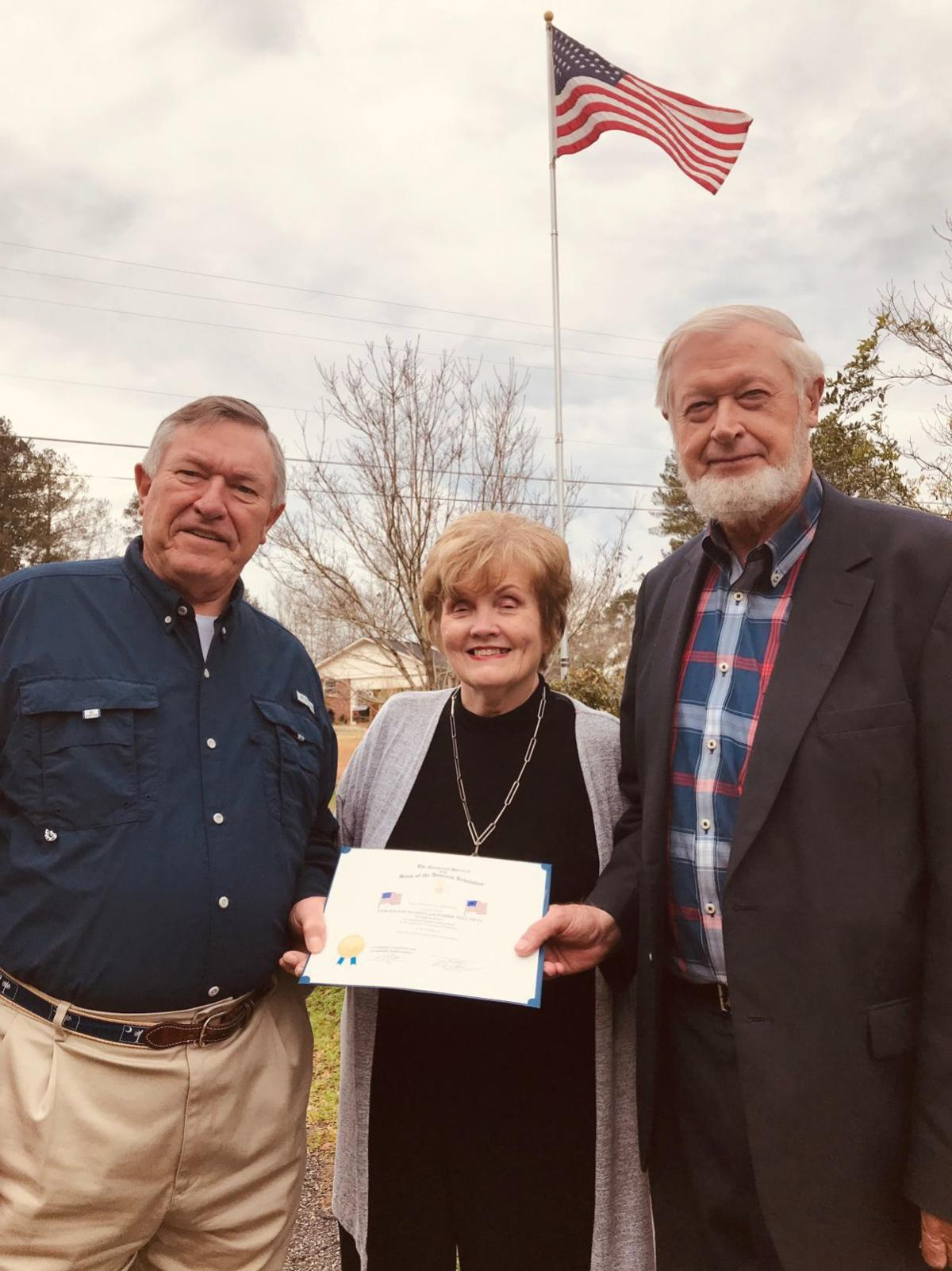 Cambridge Chapter/SAR recognizes residents with flag certificates