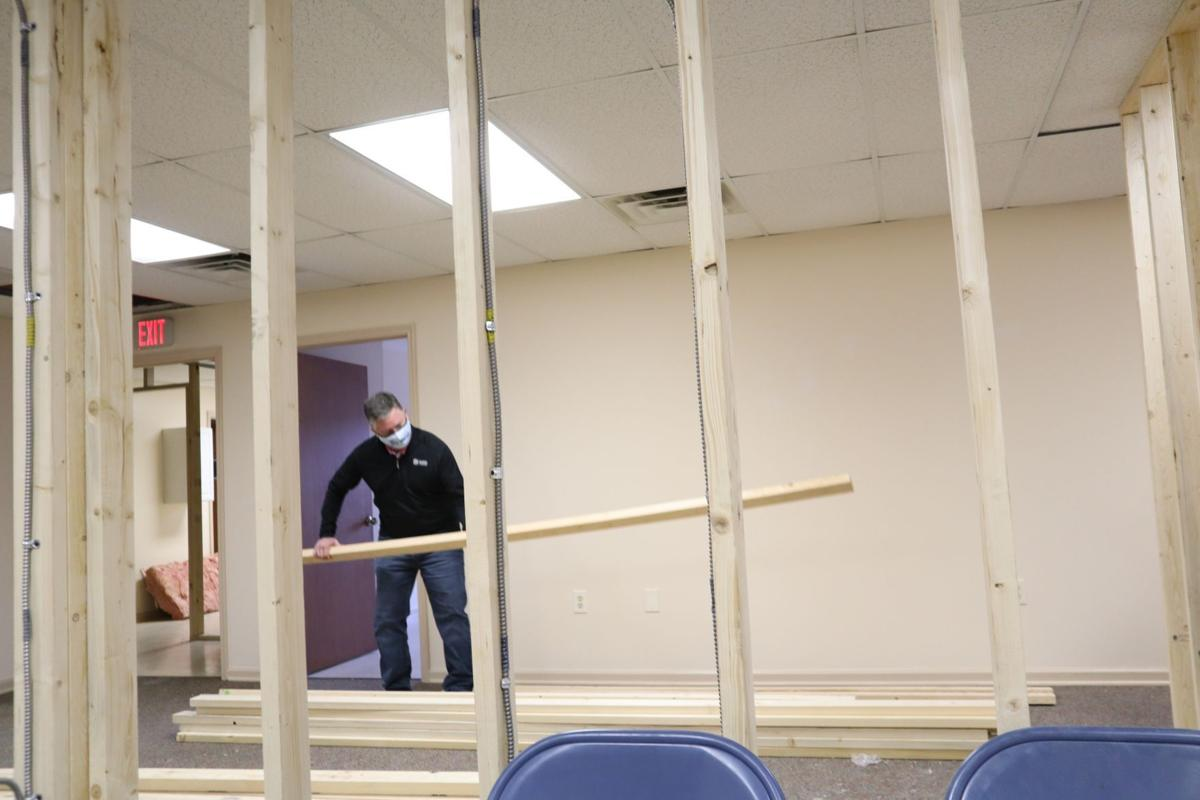 Getting the new and improved facilities ready at CI's La Clinica Gratis.