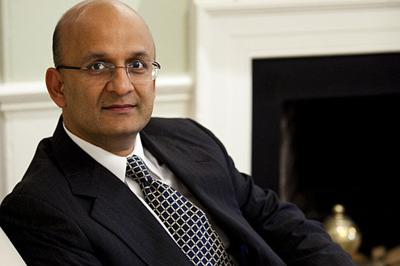 Nitin Nohria to continue as Harvard Business School dean through December