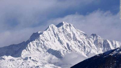 India abandons search for eighth climber on Himalayas