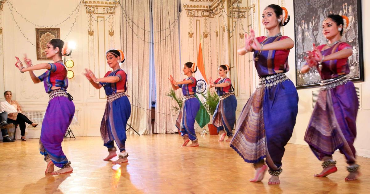 N.Y. Indian consulate comes alive with splendor of Odissi dance