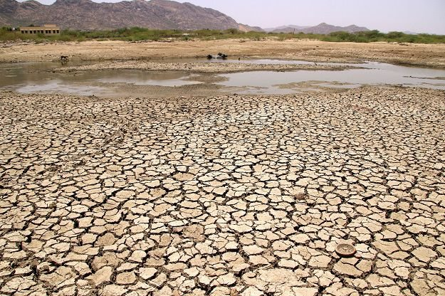 India suffers hottest decade on record