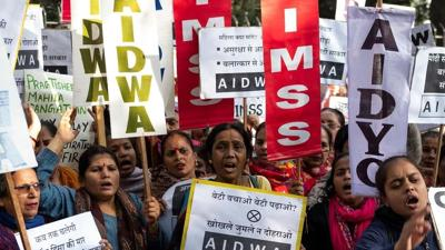 India gangrape protests mount as schoolgirl killed