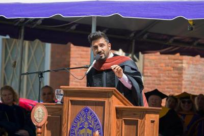 Vir Das tells Knox College Graduates to 'laugh a little' and 'be stupid'