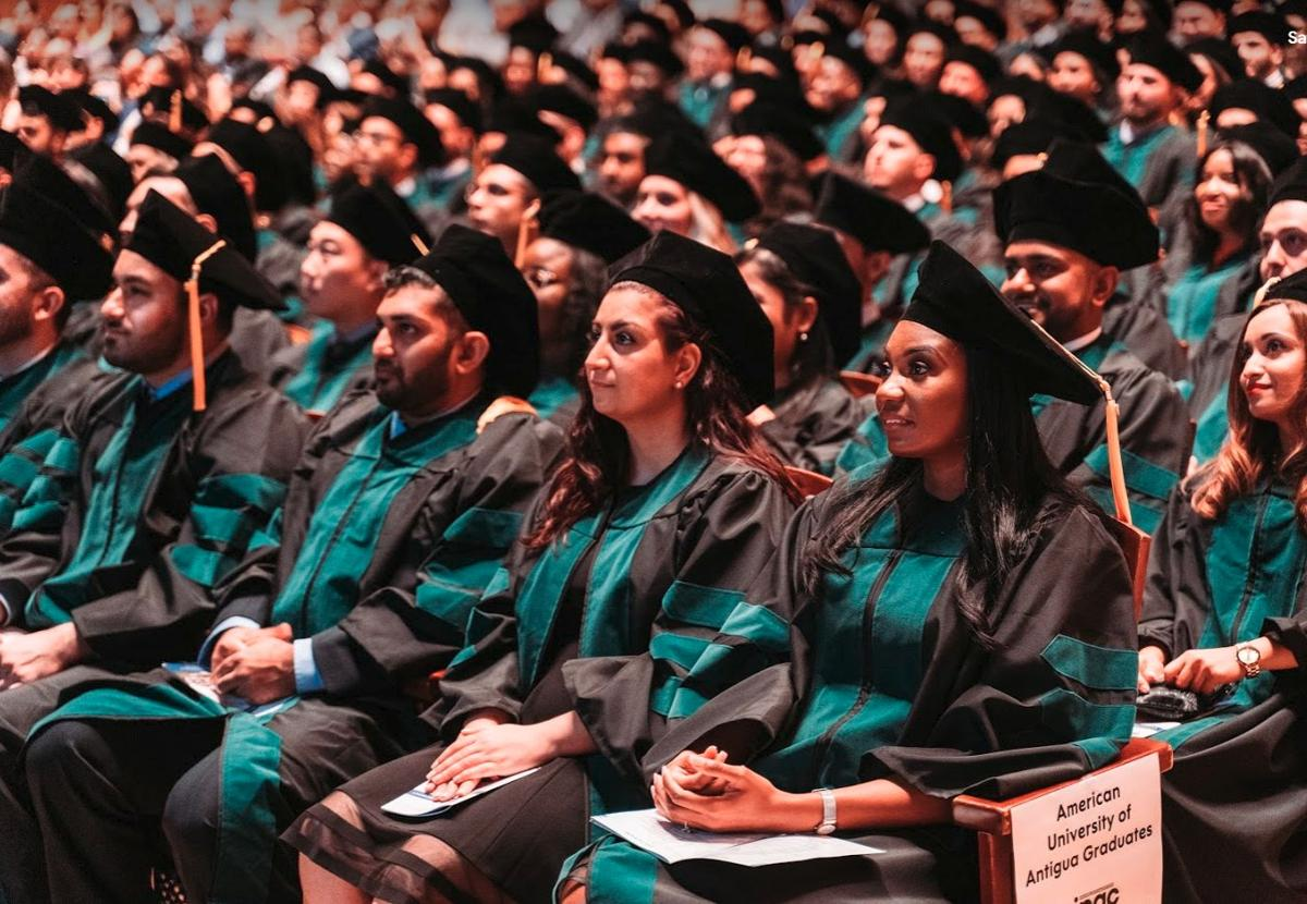 About 250 medical graduates take the Hippocratic Oath at AUA's commencement