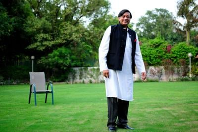 ShahsiTharoor: Politician by day, comedian by night