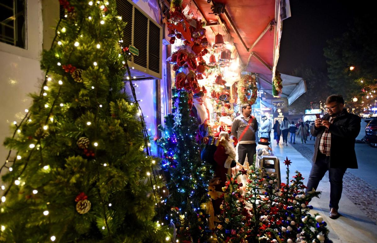 Christmas in India: Past Perfect, Future Tense