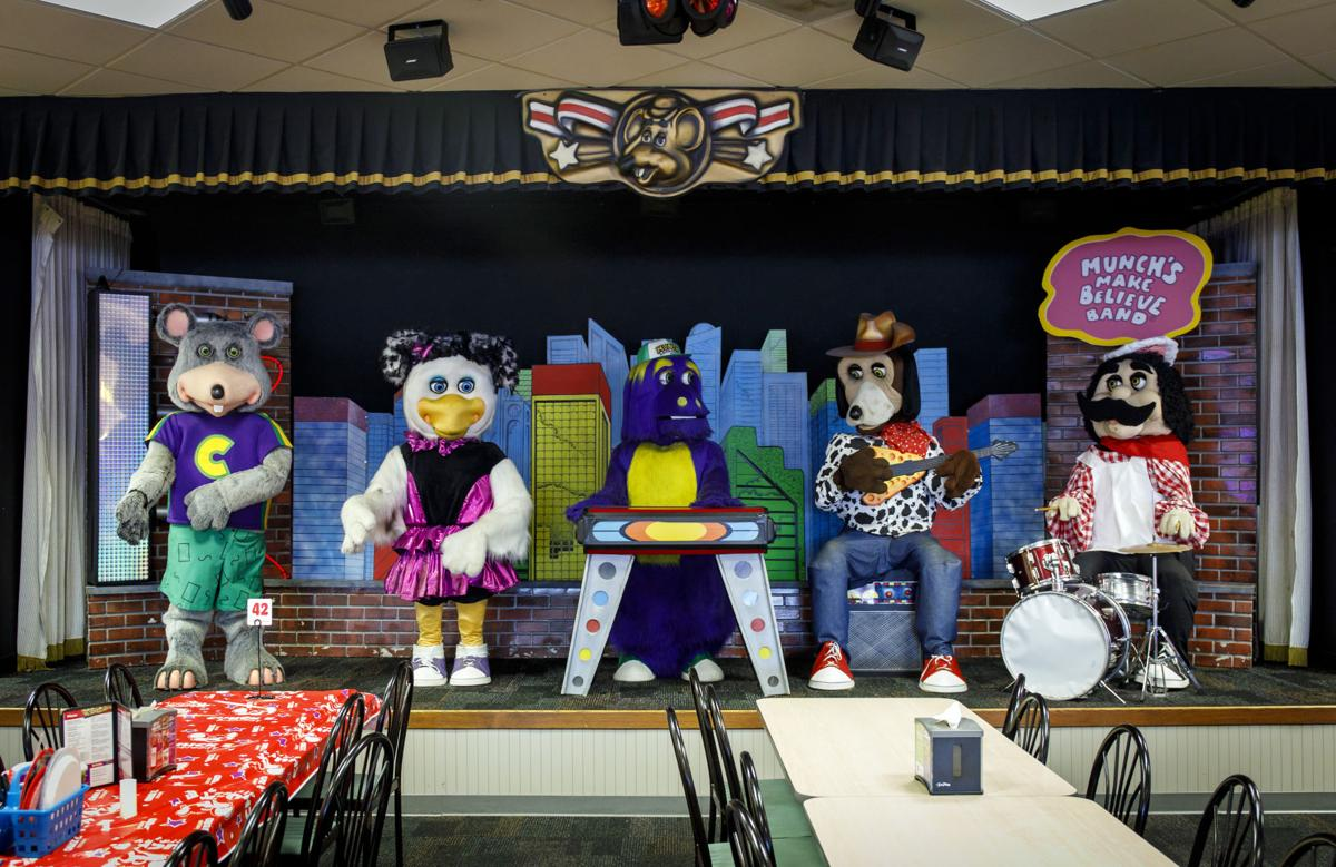 Chuck E Cheese S Breaking Up Animatronic Band